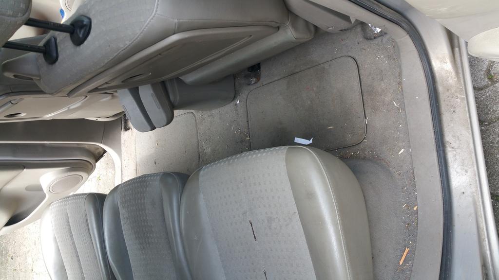 Mc auto impec lavage nettoyage auto domicile oise 60 for Lavage auto interieur